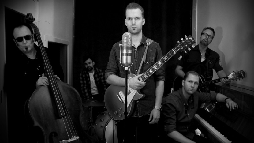 Joakim Tinderholt & his band | Het toonaangevende Blues & Roots - festival van Nederland - Moulin Blues Ospel